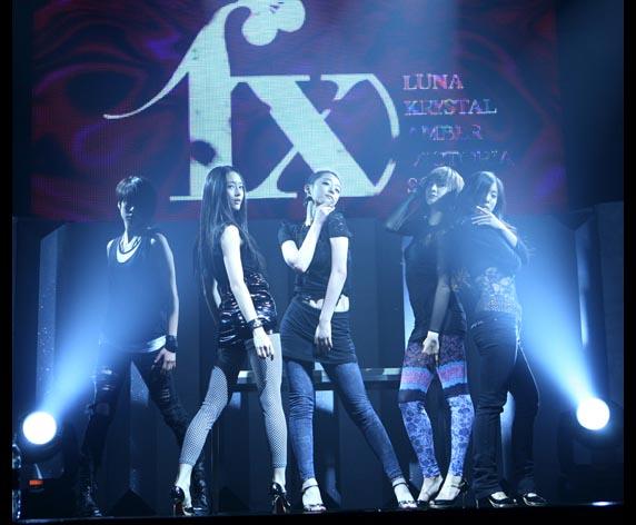 20090905_f(x)debutstage_572