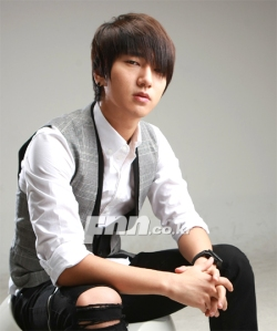interview-pics-for-musical-yesung-1