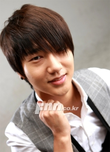 interview-pics-for-musical-yesung